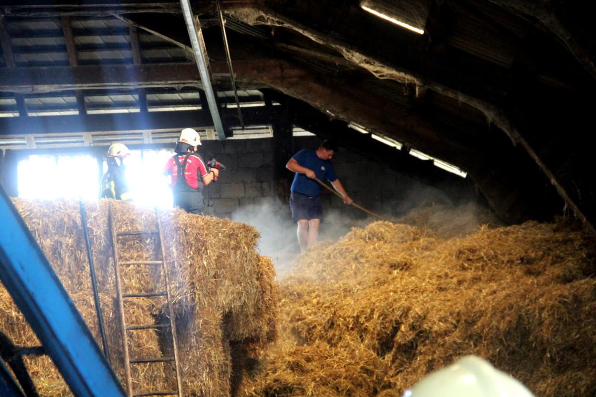 Großbrand bei Landwirtschaft durch Gebäudeeigentümer verhindert