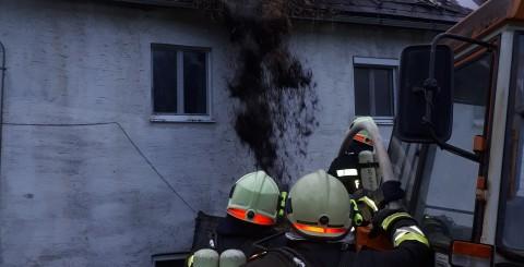 Wohnhausbrand in Salaberg nach Blitzschlag