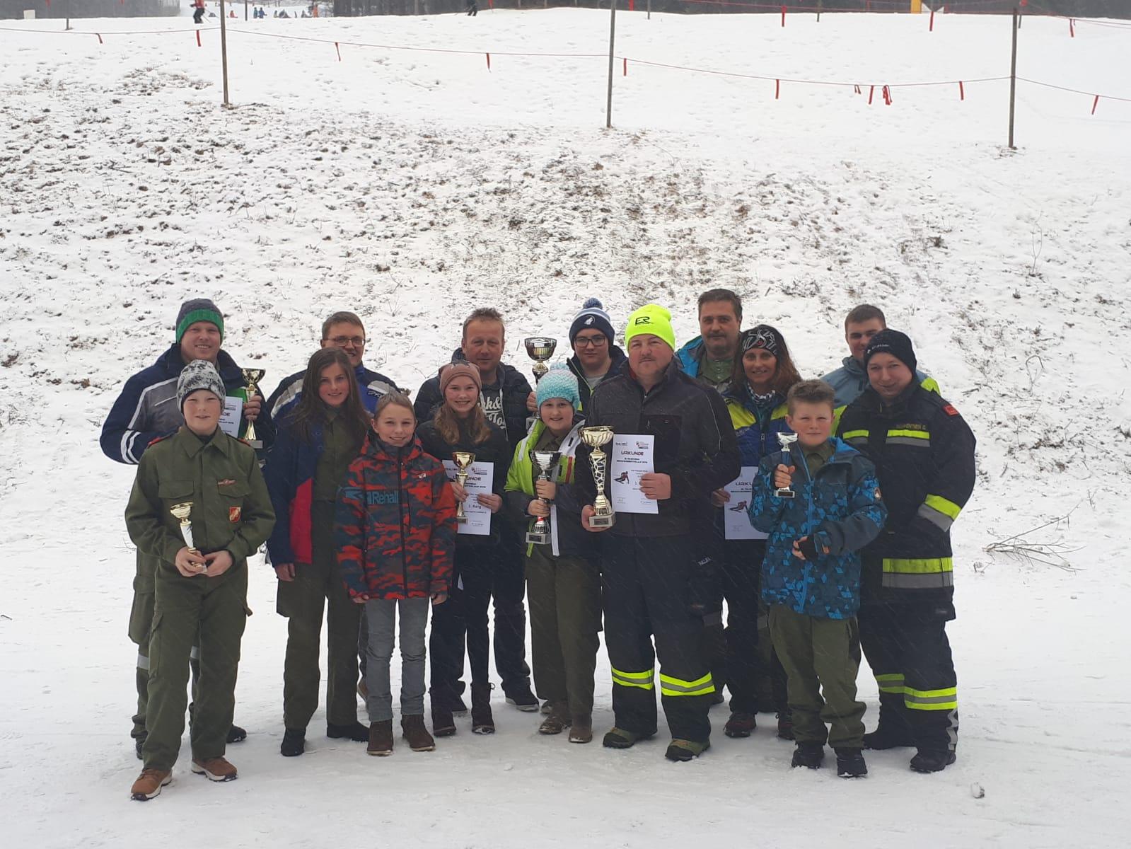 Schnellste Feuerwehr beim Bezirksskirennen 2020
